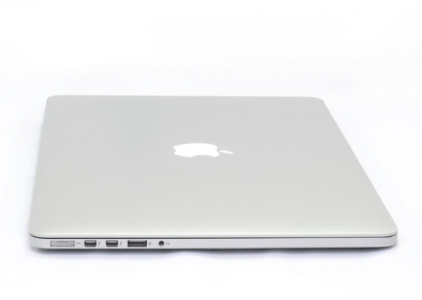 2014 Apple MacBook Pro 15.4 inch Retina. Quad Core i7 2.2GHz. 256GB. 16GB. MGXA2B/A