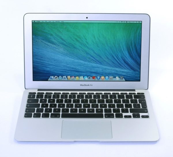Apple MacBook Air 13″ (2014) – Intel Core i5 @ 1.4 GHz. 4 GB. 128 GB (Copy)