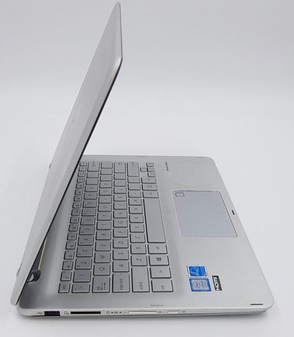 Asus Q304UA-BI5T24 13.3 Inch Foldable Laptop. Intel i5-7200. 8GB DDR4.
