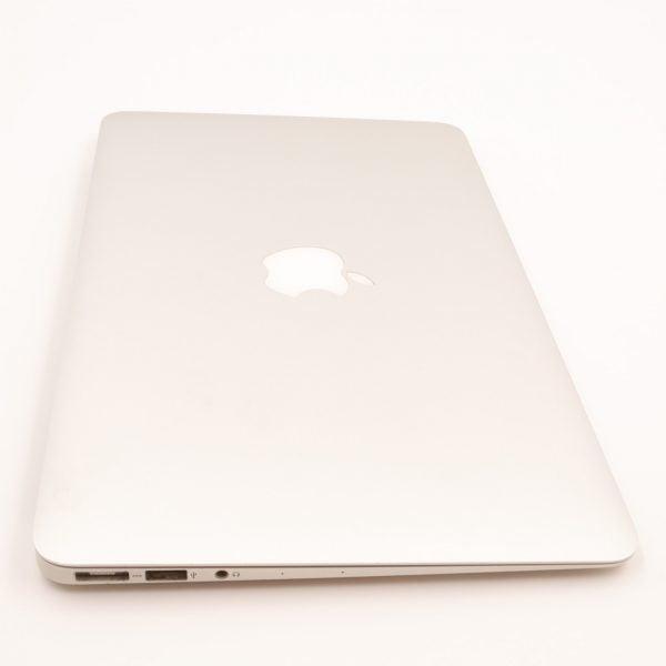 Apple MacBook Air 11 4446 3