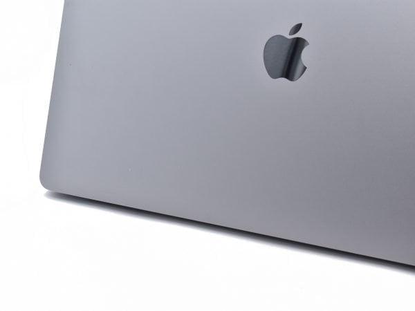 Apple MacBook Pro 15″ Touch. Quad Core i7 2.6GHz. 16GB. 512GB. Radeon Pro 450 2GB. MLH32B/A